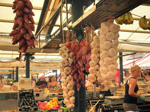 2011年夏ヴェネツィアの市場にて